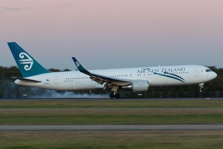 Air New Zealand 767 Landing Into Brisbane