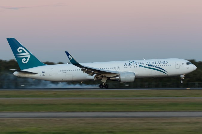 Air New Zealand 767 Landing Into Brisbane