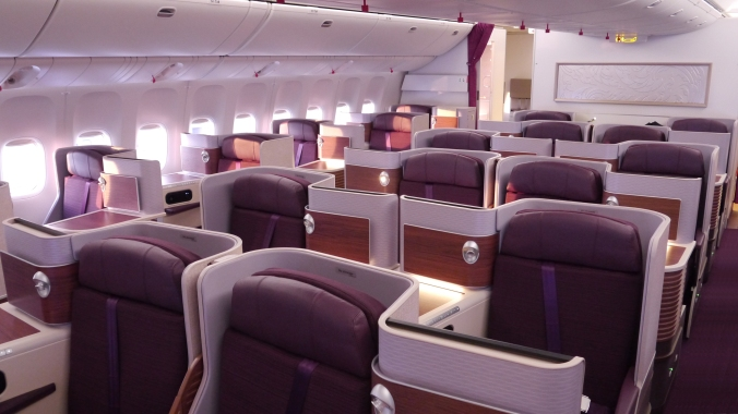 pg_thai-b777_royal-silk-cabin