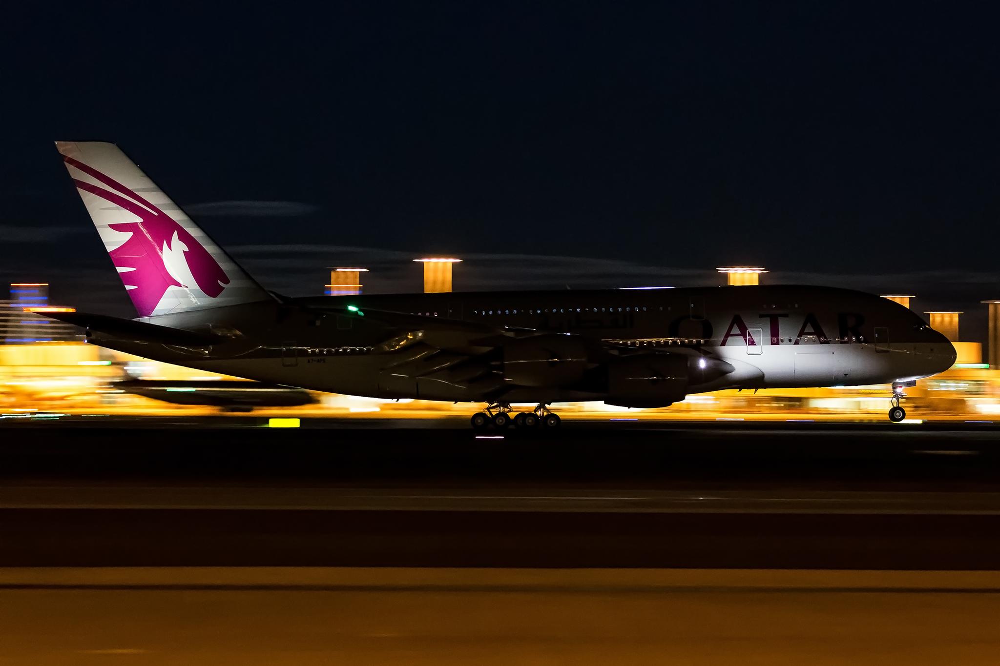 Qatar Airways A380 Arriving Into Sydney Image - Bernard Proctor