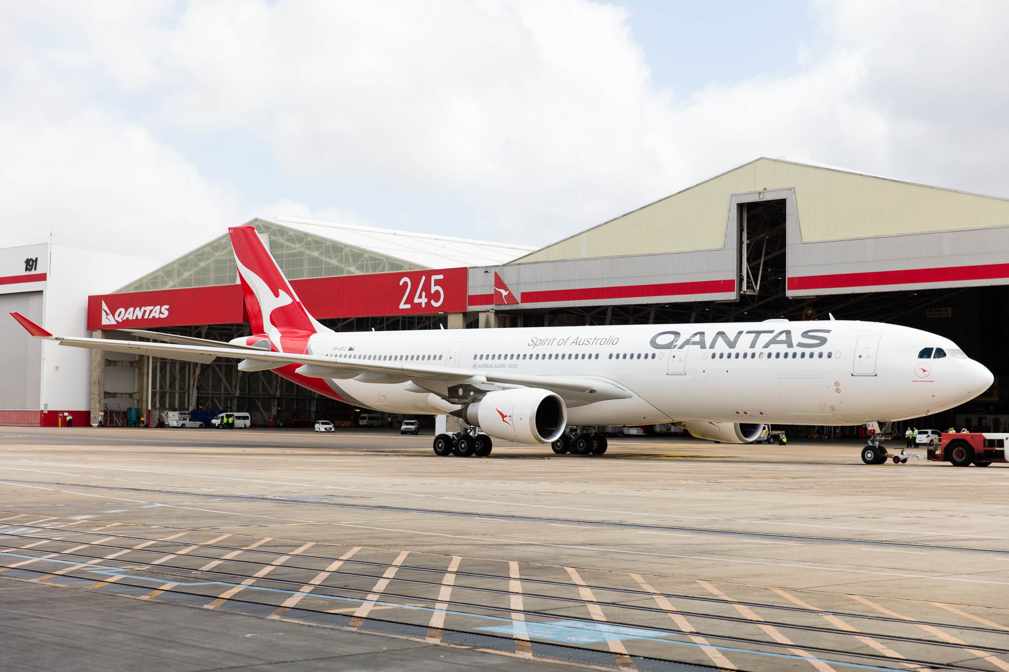 Qantas New Livery © Zac George