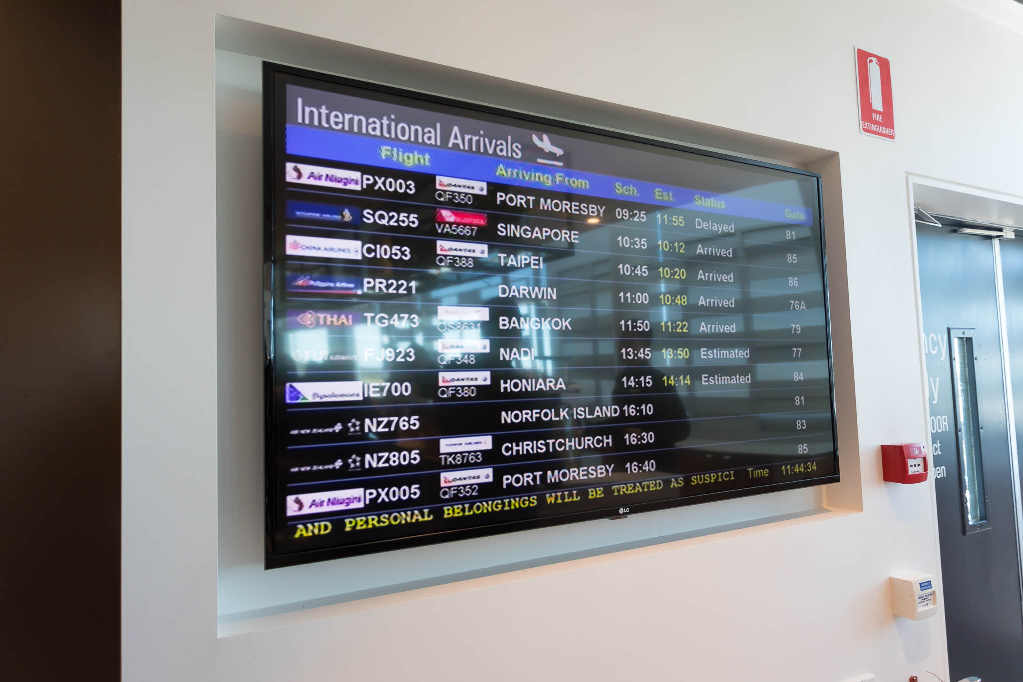 Qantas Brisbane International Lounge Flight Timetables